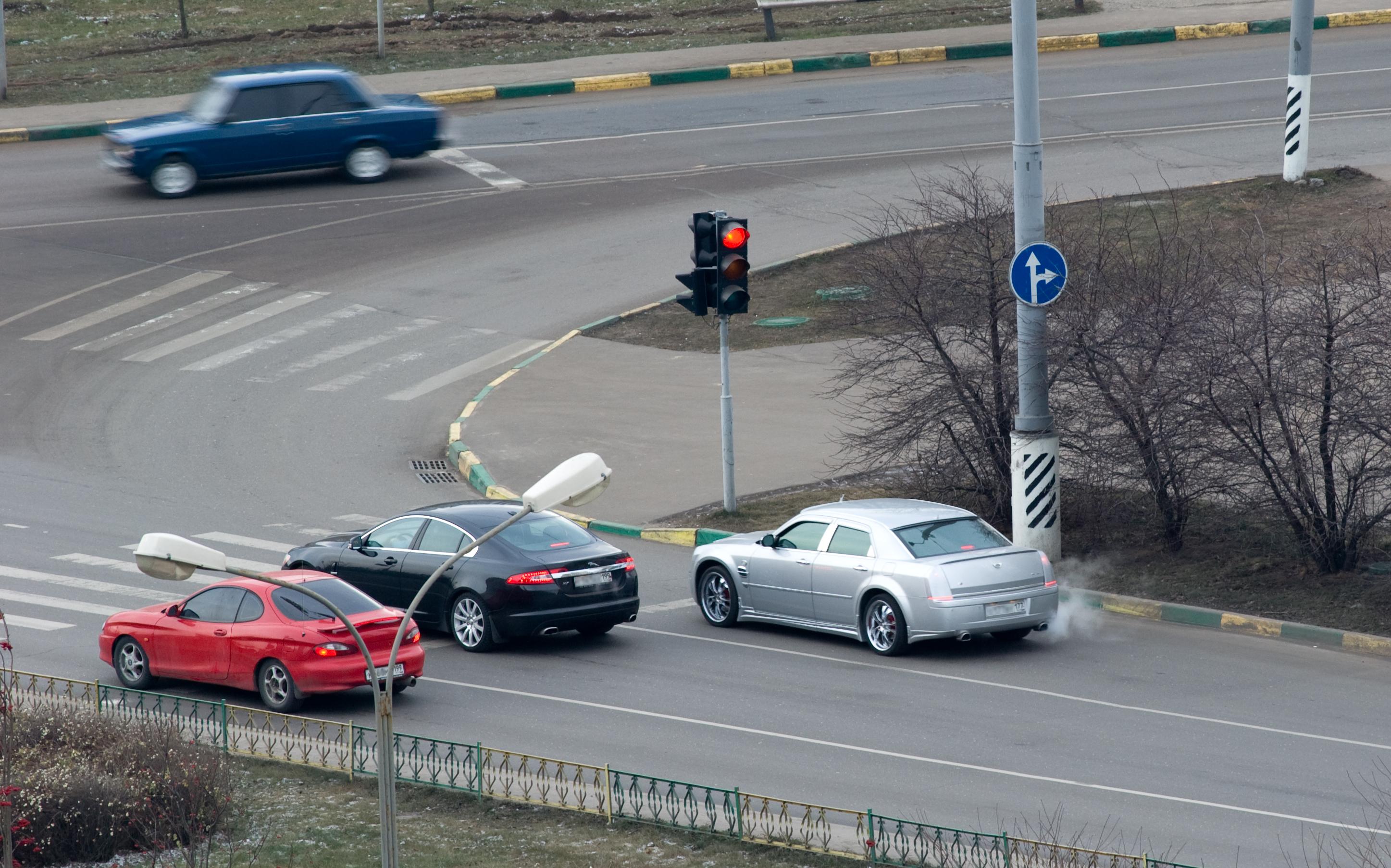 Разрешен ли обгон на регулируемых перекрестках