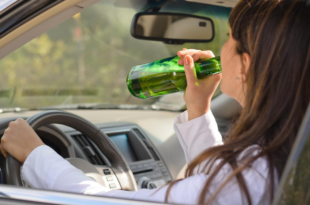 Передача управления автомобилем лицу в нетрезвом виде