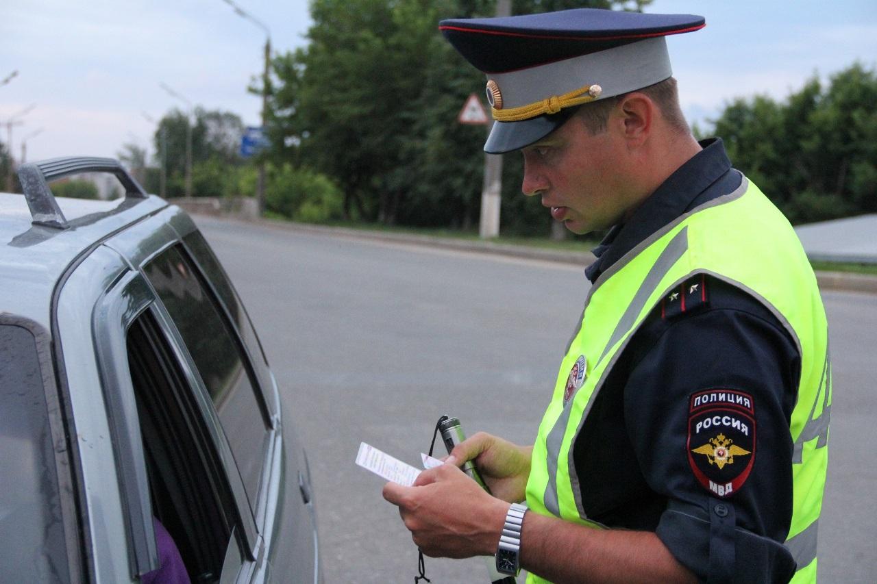 Может ли инспектор ГИБДД изъять водительское удостоверение на месте